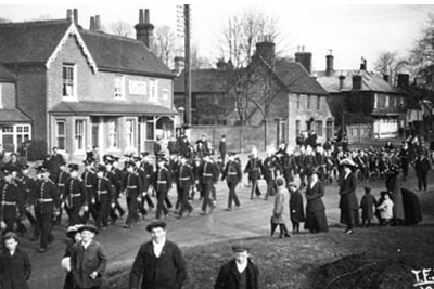 Kings Own Light Infantry 1915 in the High Street - Click to open full size image
